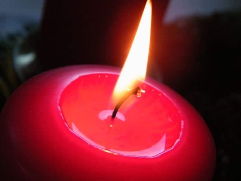 trois conseils pour utiliser au mieux vos bougies astuces de grand m re. Black Bedroom Furniture Sets. Home Design Ideas