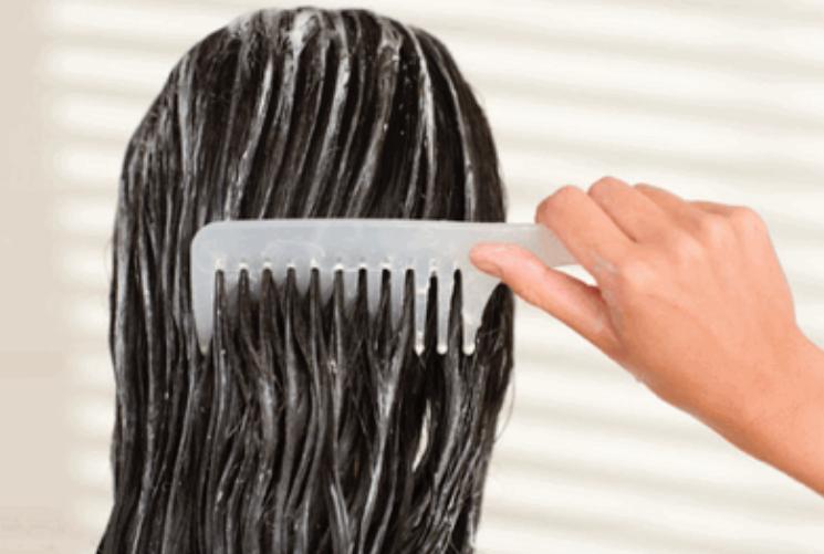 Le masque pour le renforcement des cheveu par la crème fraîche