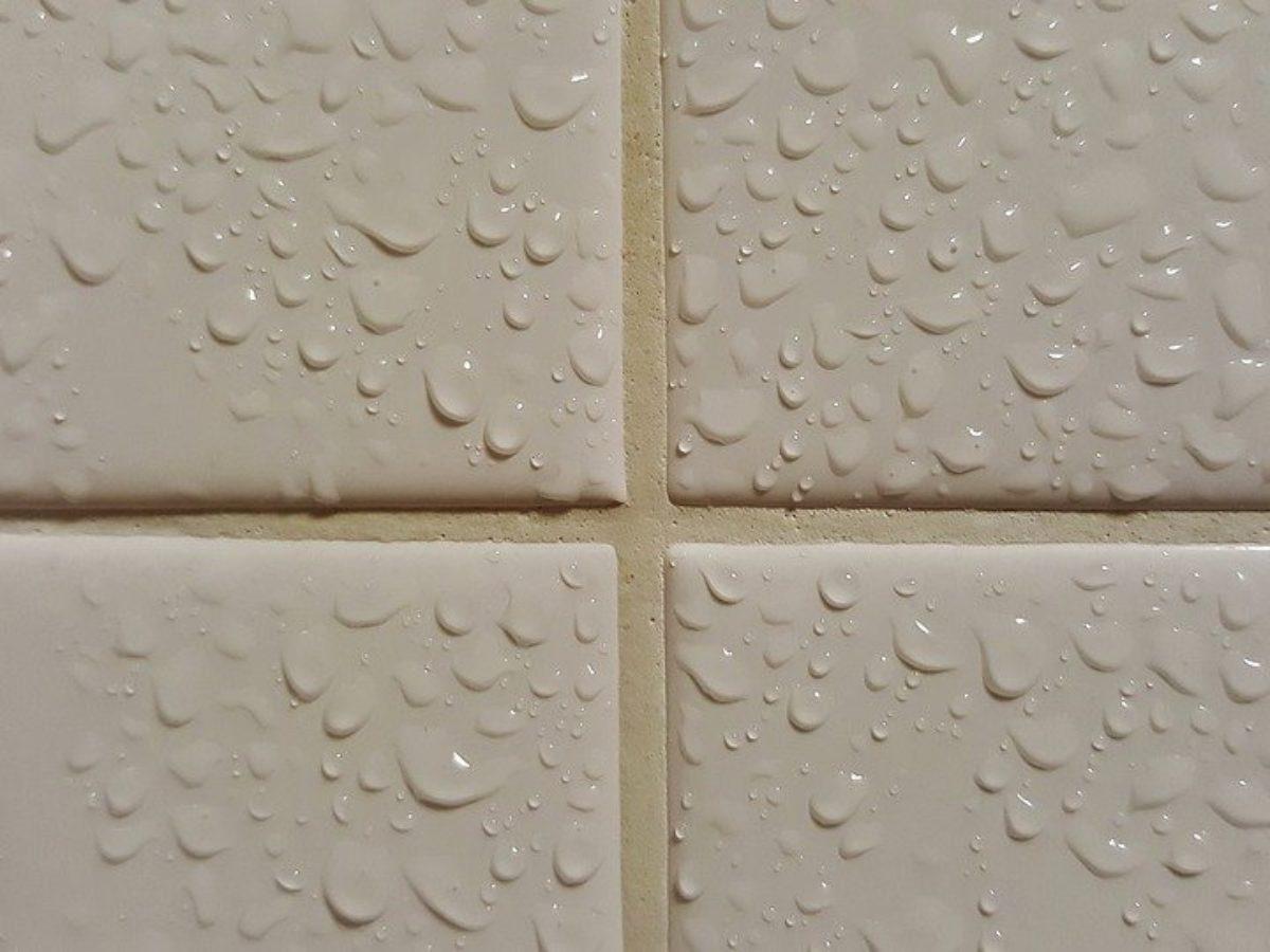 Quel Produit Pour Blanchir Les Joints De Carrelage nettoyer les joints de carrelage : 7 techniques naturelles efficaces
