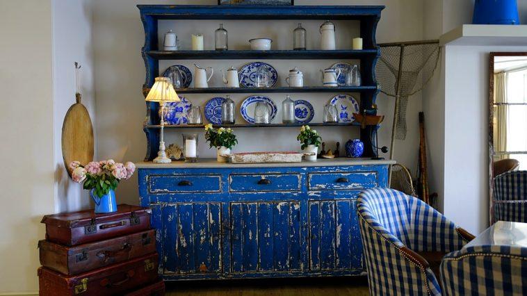 Comment d caper naturellement vos vieux meubles en bois astuces de grand - Comment decaper des volets ...