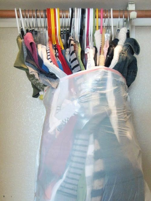 33+-Helpful-Moving-Tips-Everyone-Should-Know-garbage-bags