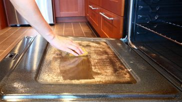 four sale nettoyage cuisine