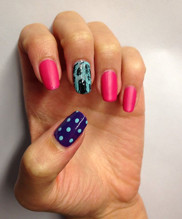 Source : https://en.wikipedia.org/wiki/Nail_art