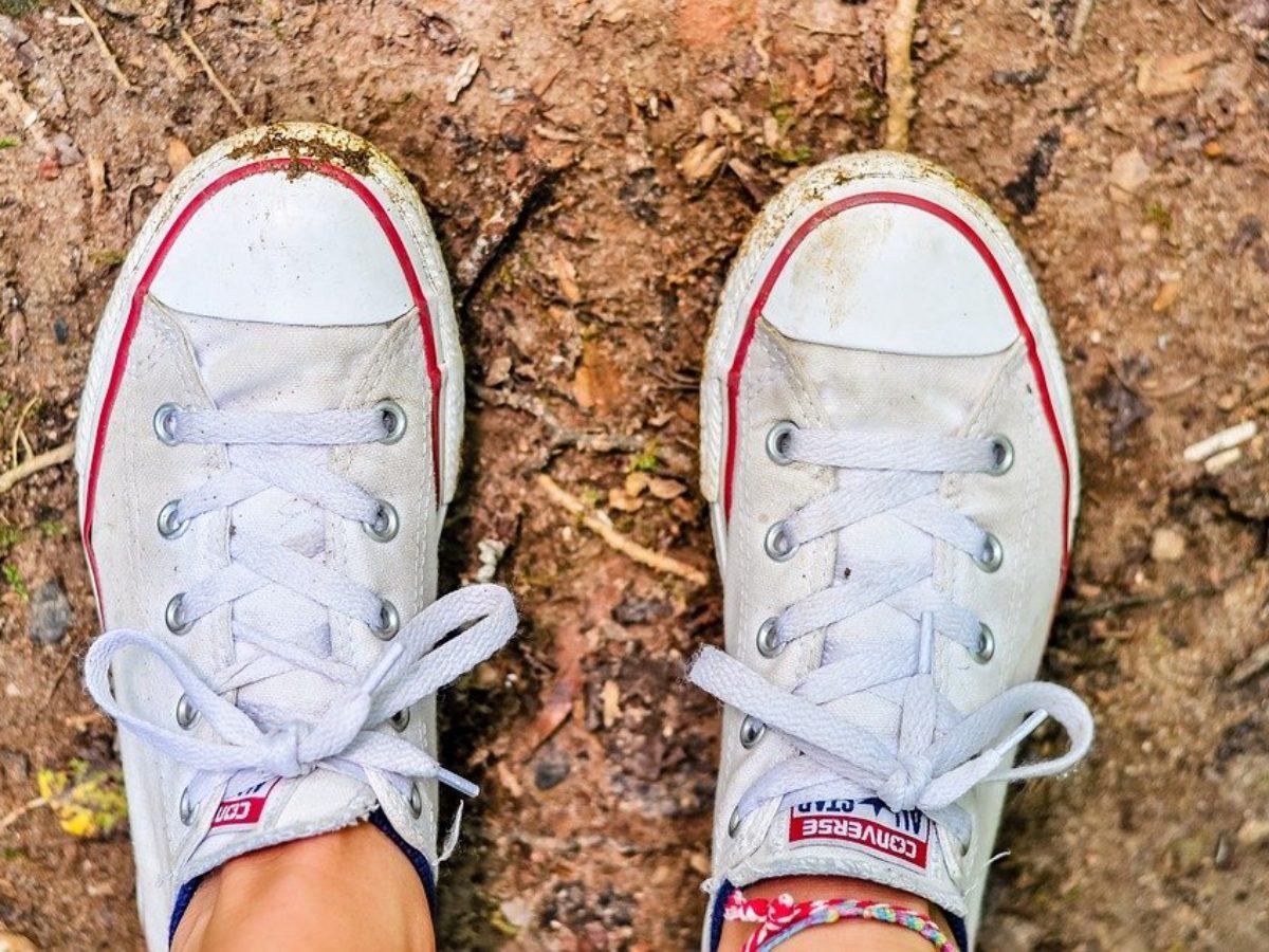 Comment nettoyer des chaussures blanches et les protéger des taches ?