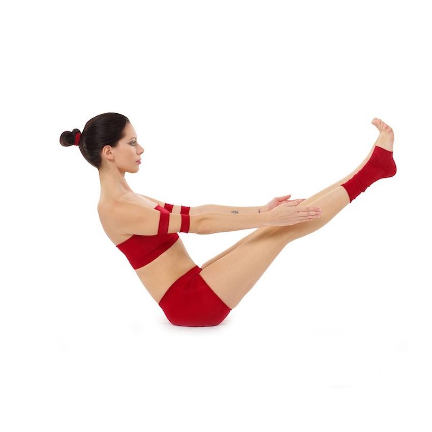 Paripurna-Navasana_Yoga-Asana_Nina-Mel