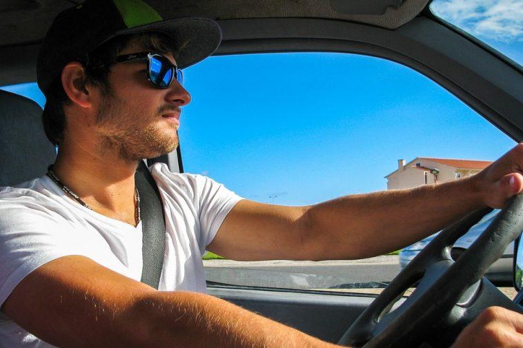 de l 39 air frais dans votre voiture sans ventilation ni climatisation. Black Bedroom Furniture Sets. Home Design Ideas