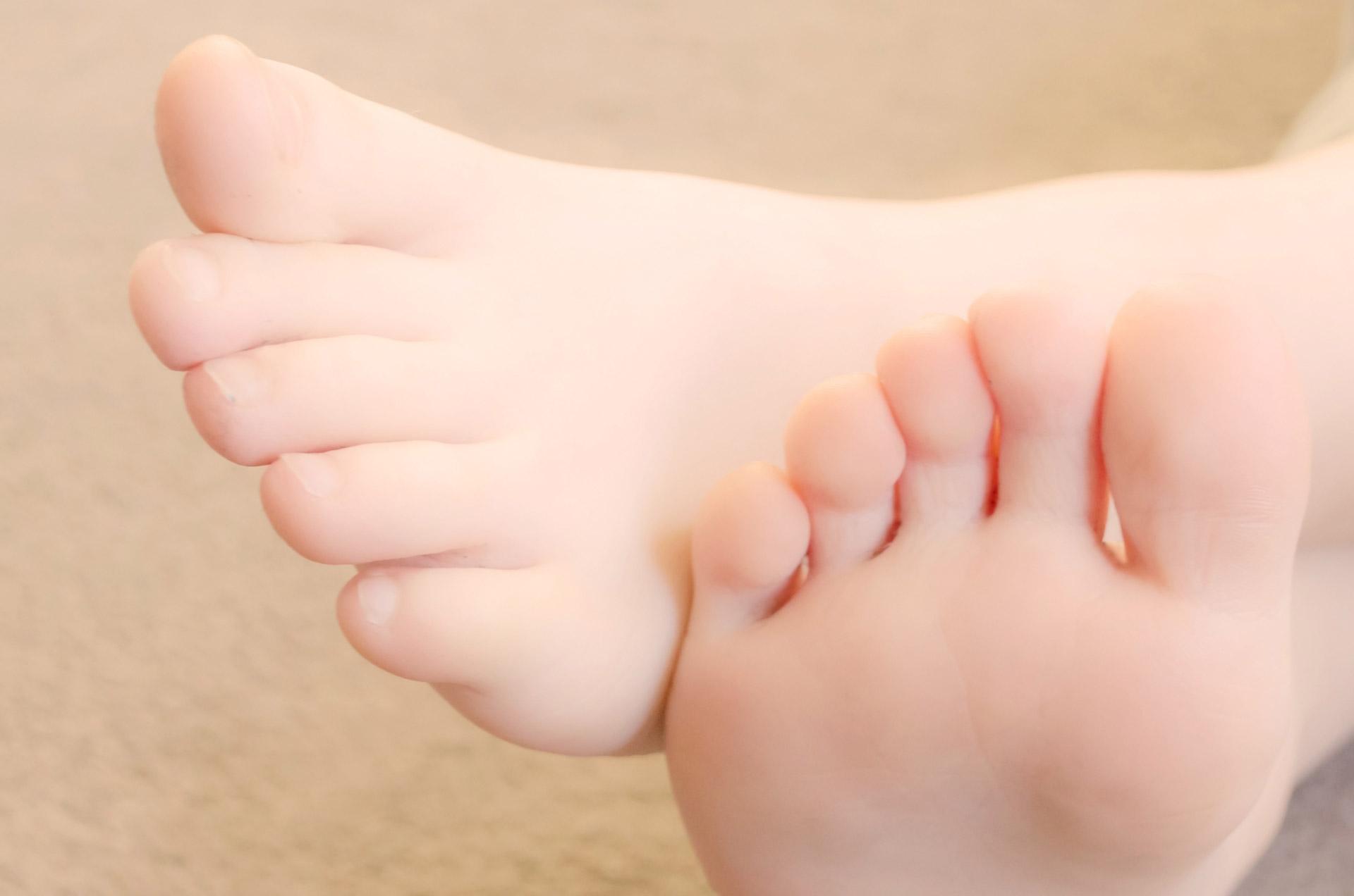 child-foot