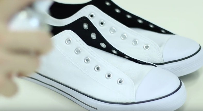 protéger chaussures blanches