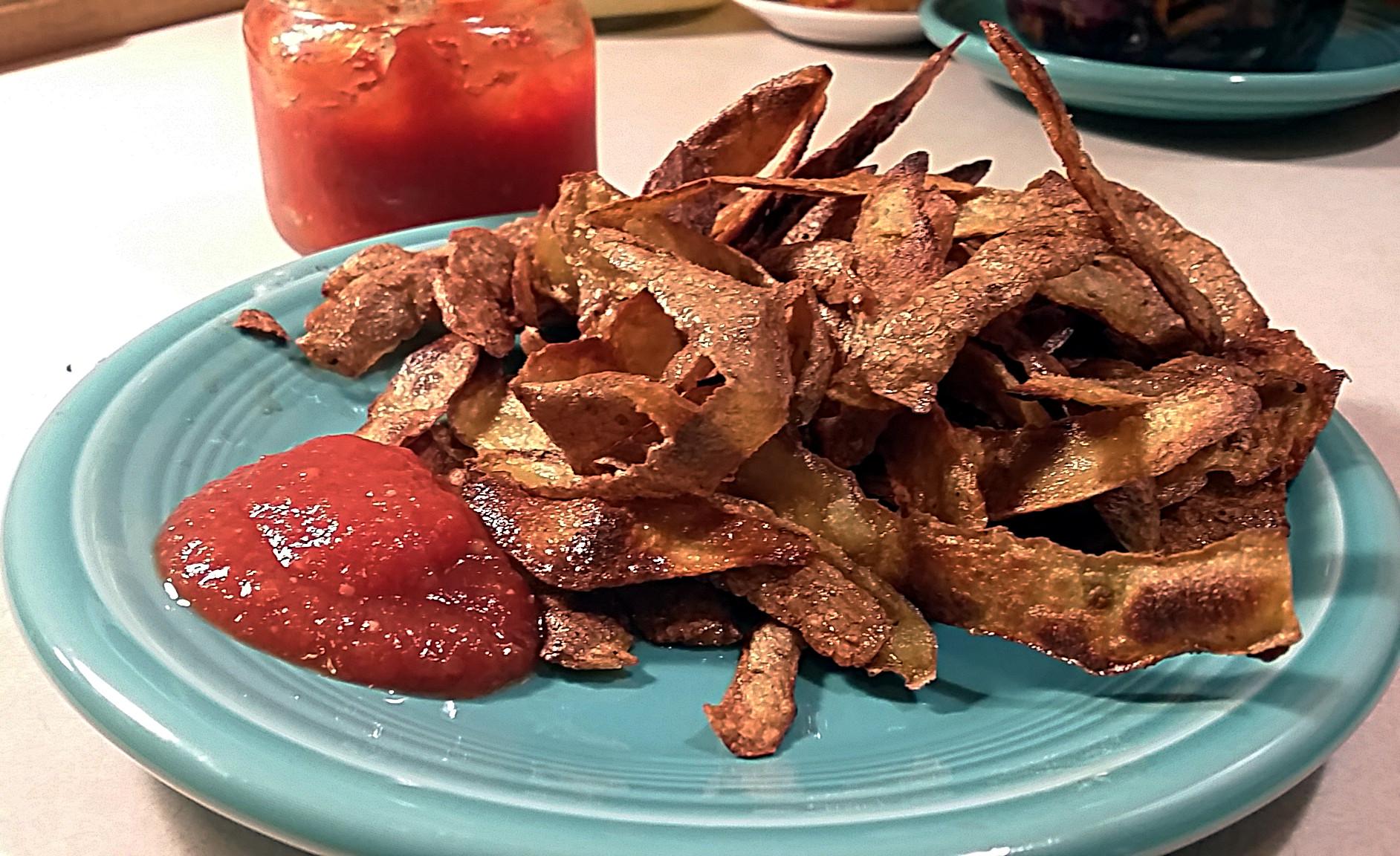 utiliser les pelures de pommes de terre en faisant des chips