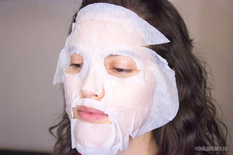 vous n 39 avez besoin que de deux l ments pour cr er un masque en tissu astuces de grand m re. Black Bedroom Furniture Sets. Home Design Ideas