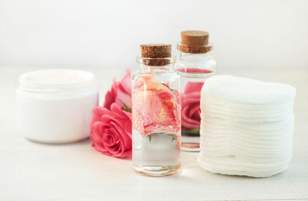 eau de rose fabriquer utiliser
