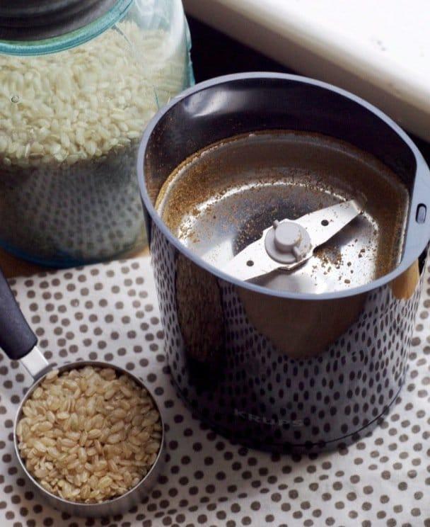 3 astuces simples pour nettoyer les quipements en lien avec le caf. Black Bedroom Furniture Sets. Home Design Ideas