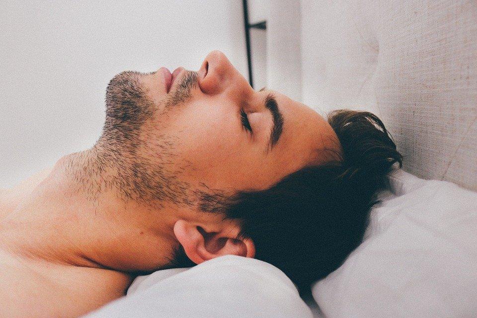 5 astuces pour bien dormir la nuit. Black Bedroom Furniture Sets. Home Design Ideas