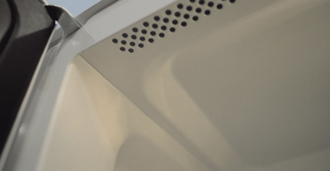 Cleaning microwaves