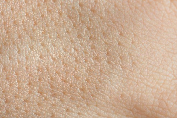 pores dilat s 3 masques qui resserrent le grain de la peau astuces de grand m re. Black Bedroom Furniture Sets. Home Design Ideas