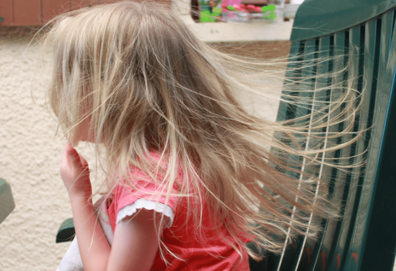 cheveux électriques électricité statique