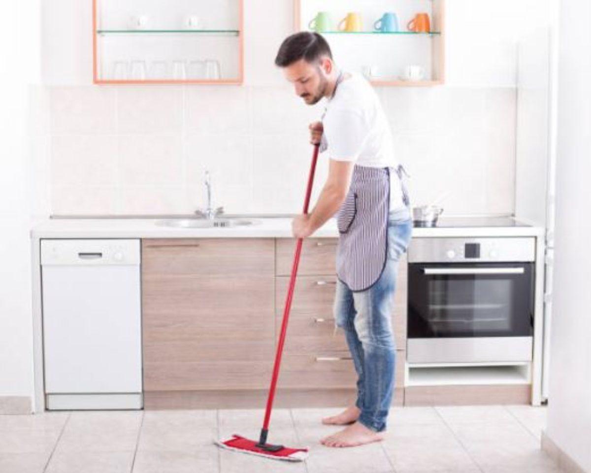 Faire Briller Un Carrelage Poreux carrelage : 3 ingrédients suffisent pour préparer le meilleur des nettoyants