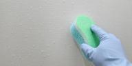 comment nettoyer les parois de douche et vitres pleines de calcaire astuces de grand m re. Black Bedroom Furniture Sets. Home Design Ideas