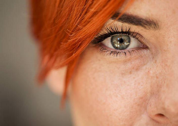 oeil rousse taches de rousseur