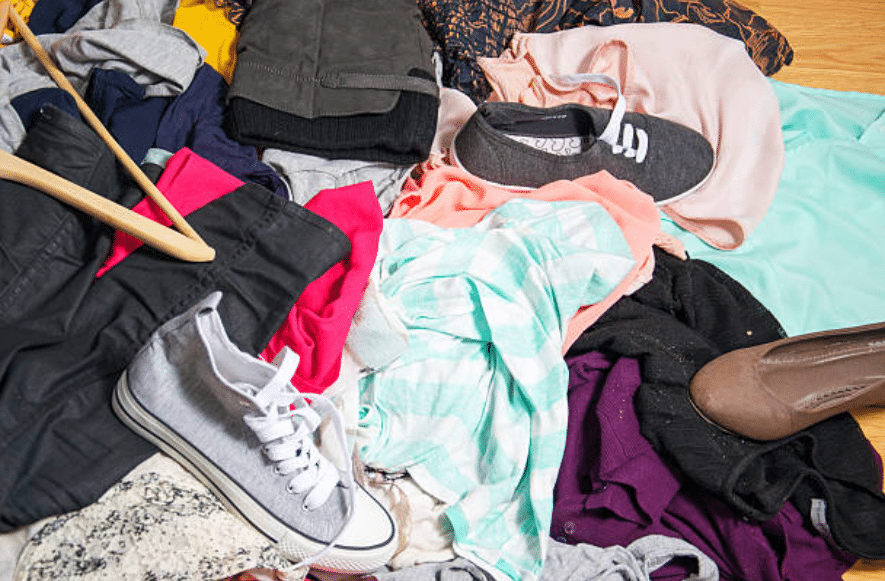 vêtement pile tas