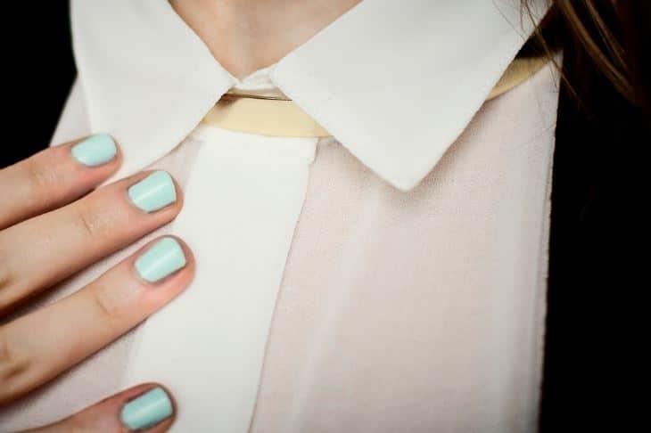 comment nettoyer le col d 39 une chemise blanche notamment quand il a jauni. Black Bedroom Furniture Sets. Home Design Ideas