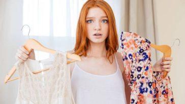 choisir choix vêtements mode cintres chemisiers entretien