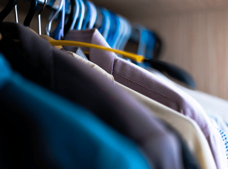 vêtements cintres