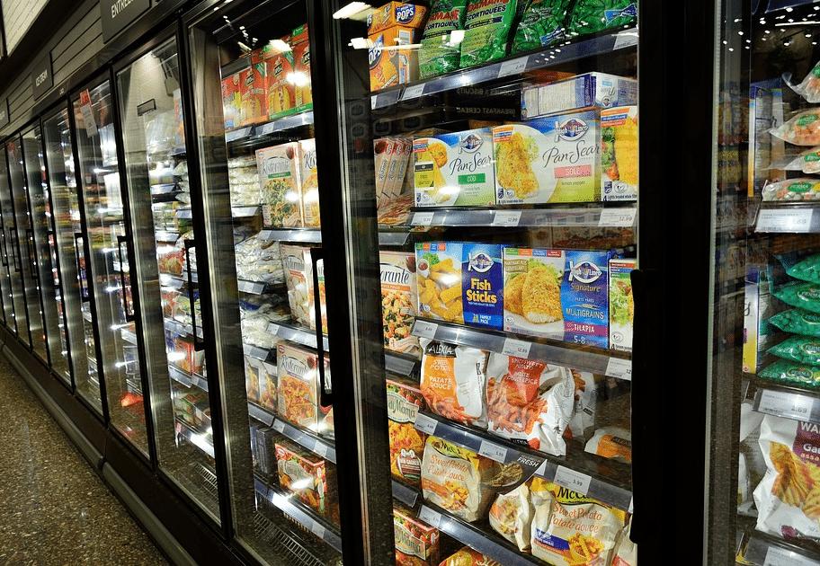 supermarché nourriture industrielle transformée plat tout prêts