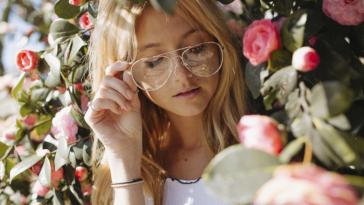 femme lunettes de vue verres