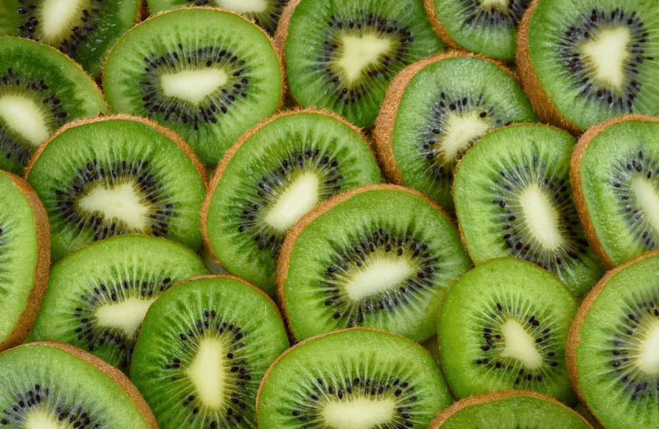 kiwi avec la peau comestible santé