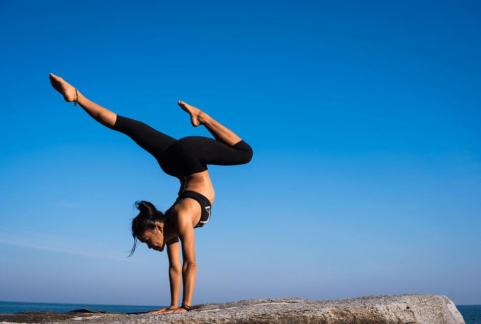 yoga exercice sport extérieur