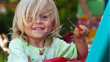 enfant peinture peint dessine