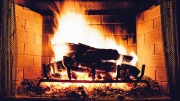 feu de cheminée âtre flammes