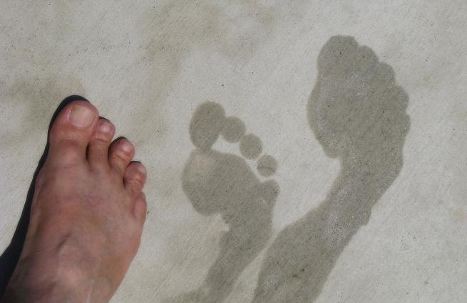 pieds moites sueur transpiration