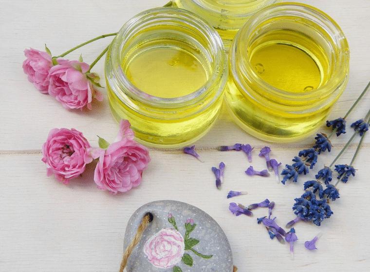 huiles végétales de beauté rose lavande cosmétiques