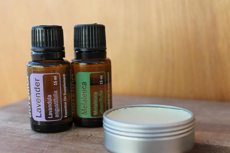 baume cosmétique beauté crème lavande arbre à thé tea tree huiles essentielles