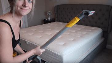 nettoyer un matelas avec un aspirateur