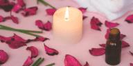 huile essentielle saint valentin pétales de rose