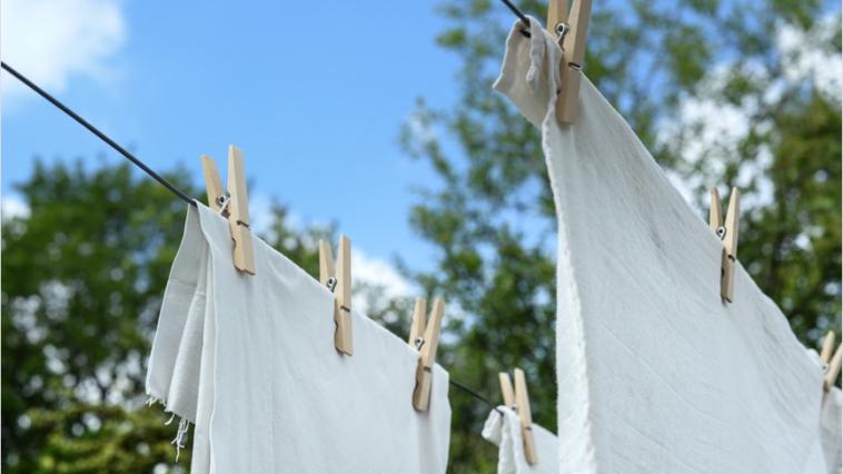 linge vêtements blancs
