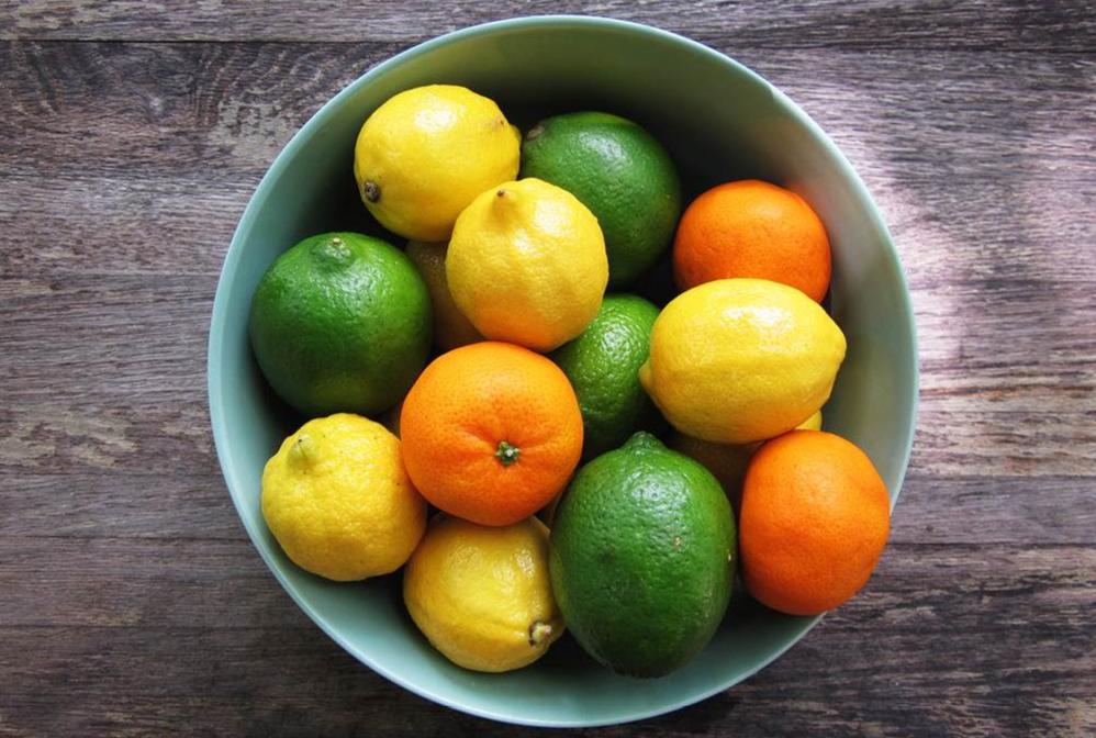 agrumes citron jaune et vert mandarines clémentines