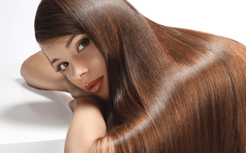 femme cheveux longs brillants en bonne santé