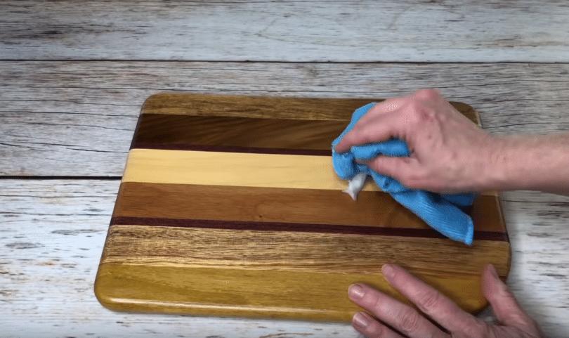 huile de coco planche en bois
