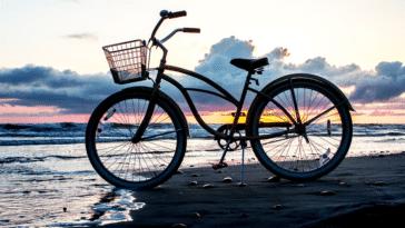 vélo plage voyage