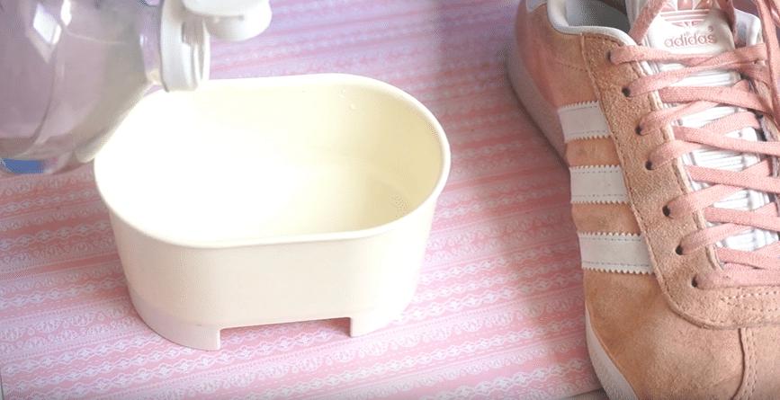 Comment nettoyer le daim : 5 astuces d'entretien faciles et efficaces