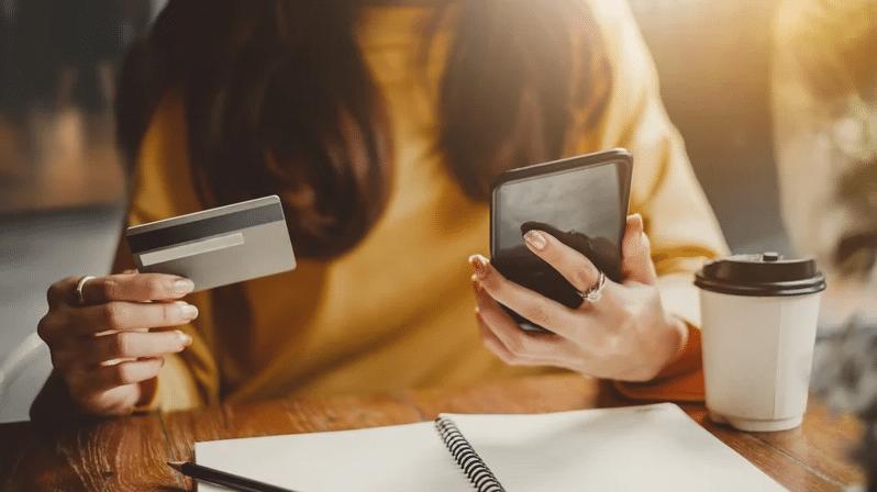 achats sur internet carte bancaire téléphone