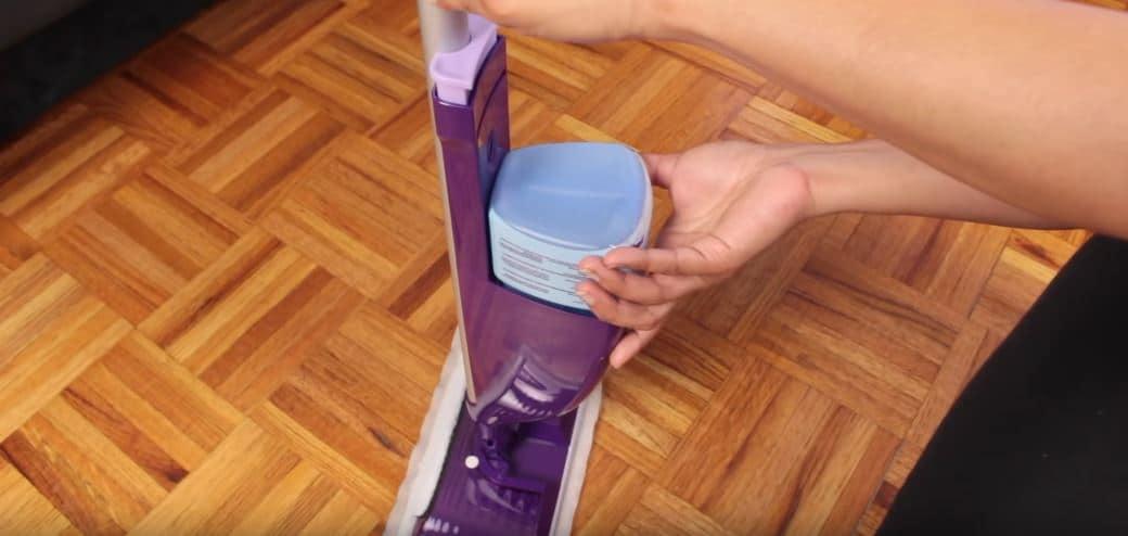 balai swiffer remplacer produit et lingettes nettoyantes