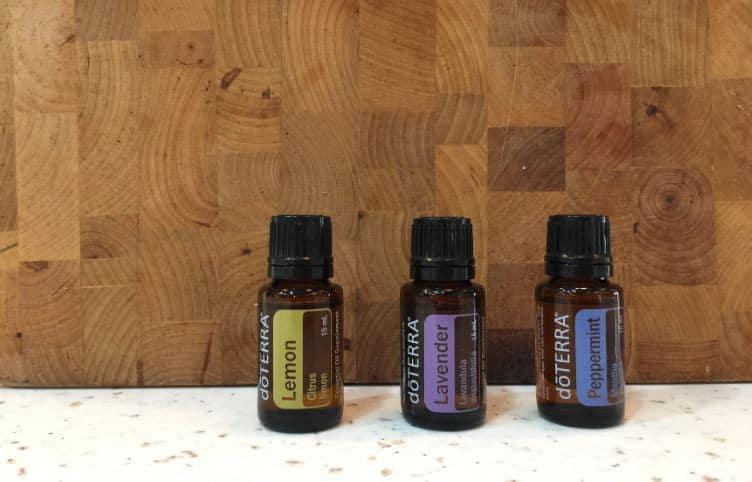 huiles essentielles citron lavande menthe poivrée maux de tête allergies