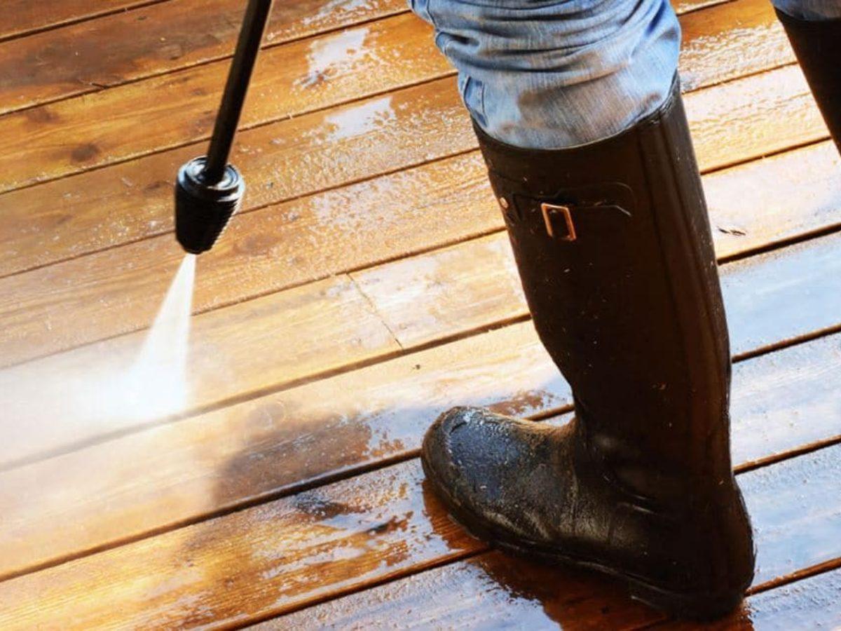 Faire Briller Un Carrelage Poreux comment nettoyer sa terrasse au naturel selon le type de sol ?