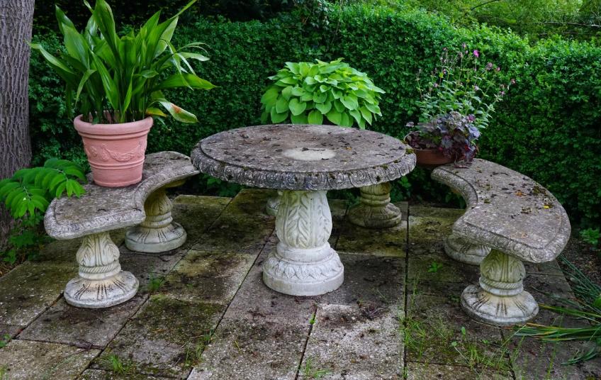 meubles de jardin en pierre