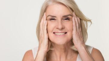 femme mature rides anti-âge anti-rides sourire
